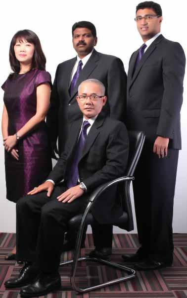 key management team Executive Directors Datuk Samsul Bin Husin (Group Managing Director) Standing from left to right: Ang Hsin Hsien (Executive Director) Tamil Selvan A/L M.