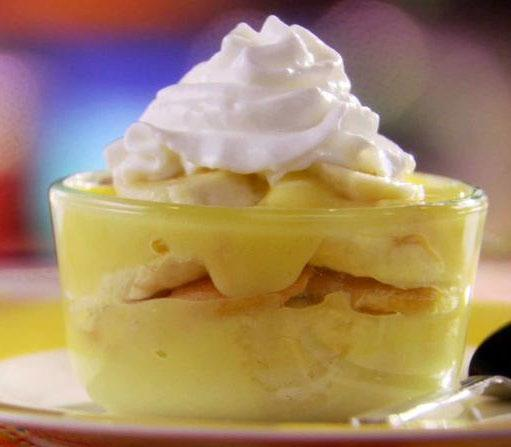 Reduced Fat Nilla) 2 medium bananas, sliced Fat-free whipped topping (thawed from frozen), optional DIRECTIONS Combine milk with pudding mix in a bowl.