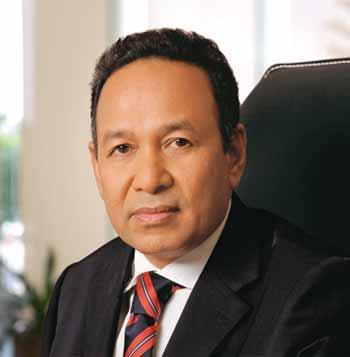 BOARD OF DIRECTORS PROFILE ANNUAL REPORT 2009 YBHG TAN SRI ROZALI ISMAIL AGED 53, MALAYSIAN EXECUTIVE CHAIRMAN OF PNHB GROUP YBhg Tan Sri Rozali Ismail is the founder of Puncak Niaga (M) Sdn Bhd