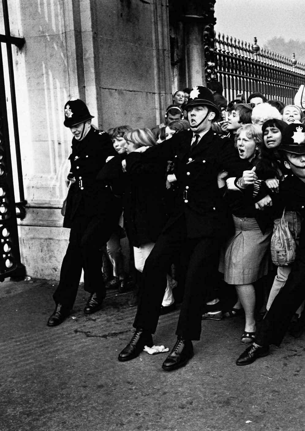 60s Beatles Fans Storm Buckingham Palace In 1961 Kredietbank S.A. Luxembourgeoise launches the first international issue in the European Currency Unit.