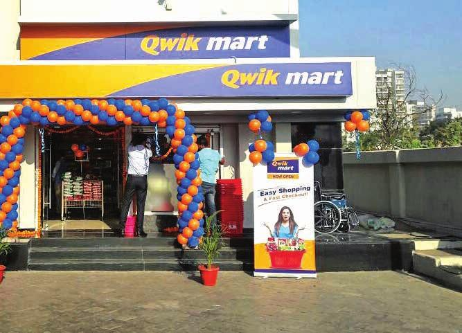 Integrated Annual Report 2017 18 Management s Discussion and Analysis 81 Qwik Mart convenience store co-located with petro outlet Jio point: Serving untapped market Petro Retail Reliance is a leading